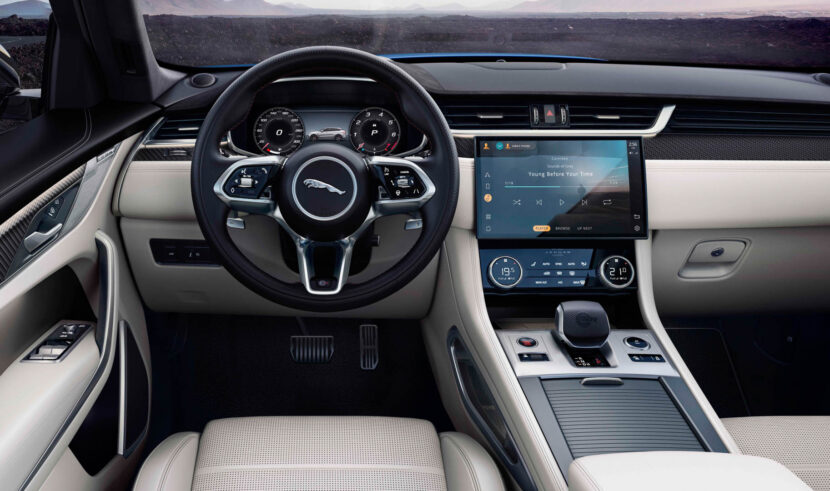 Jaguar F Pace SVR 5 830x491