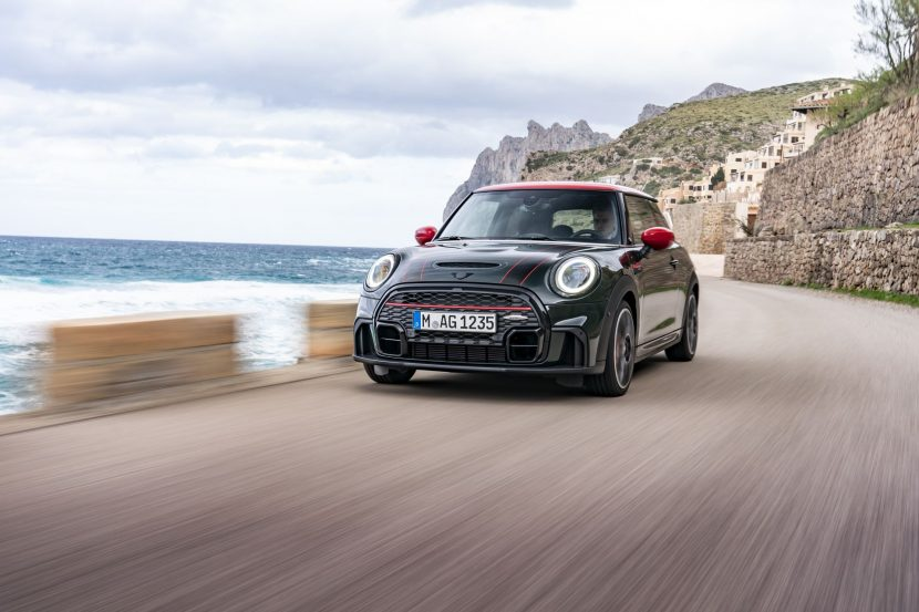 MINI John Cooper Works Facelift 54 830x553