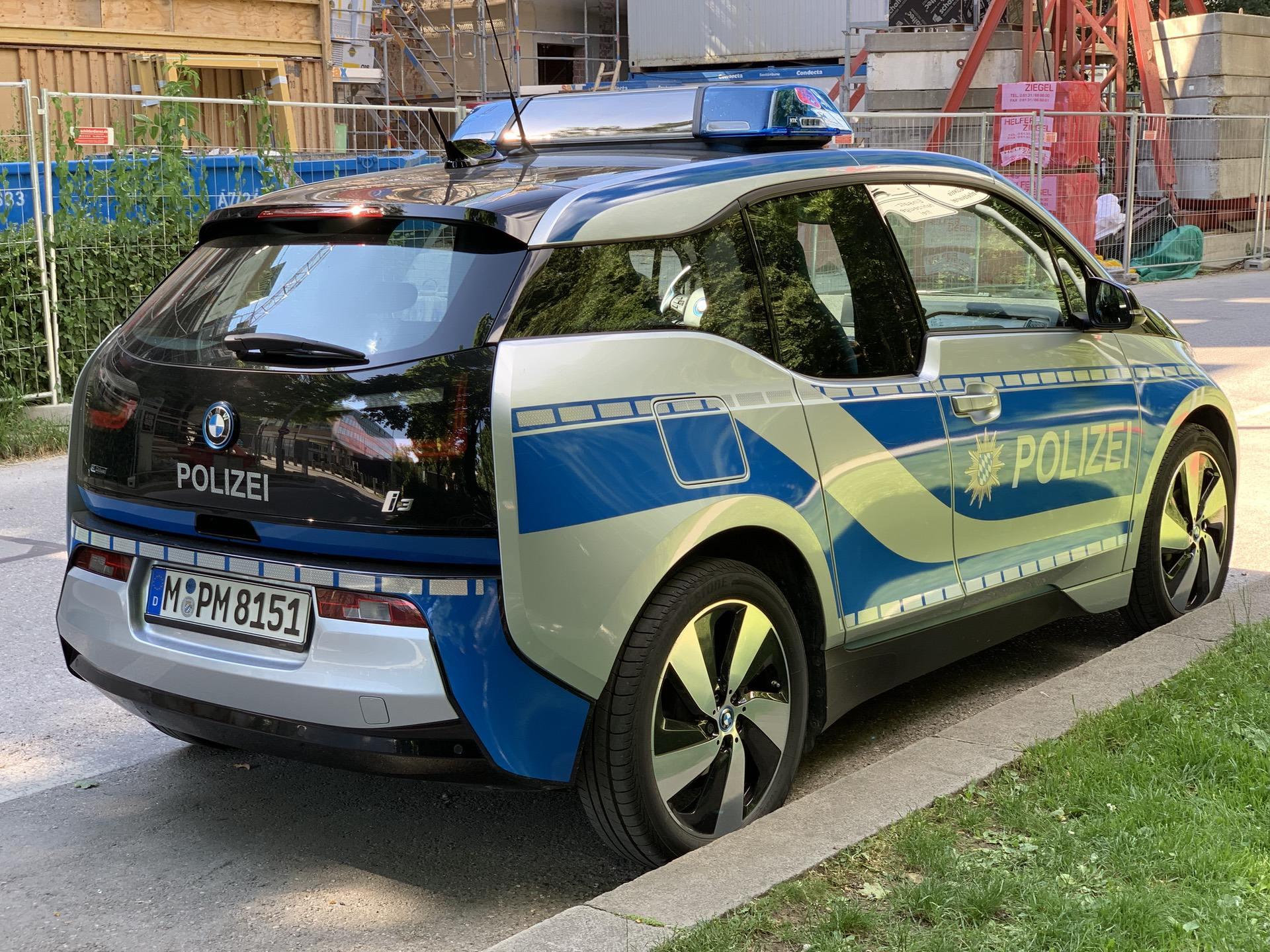 bmw i3 police car 00