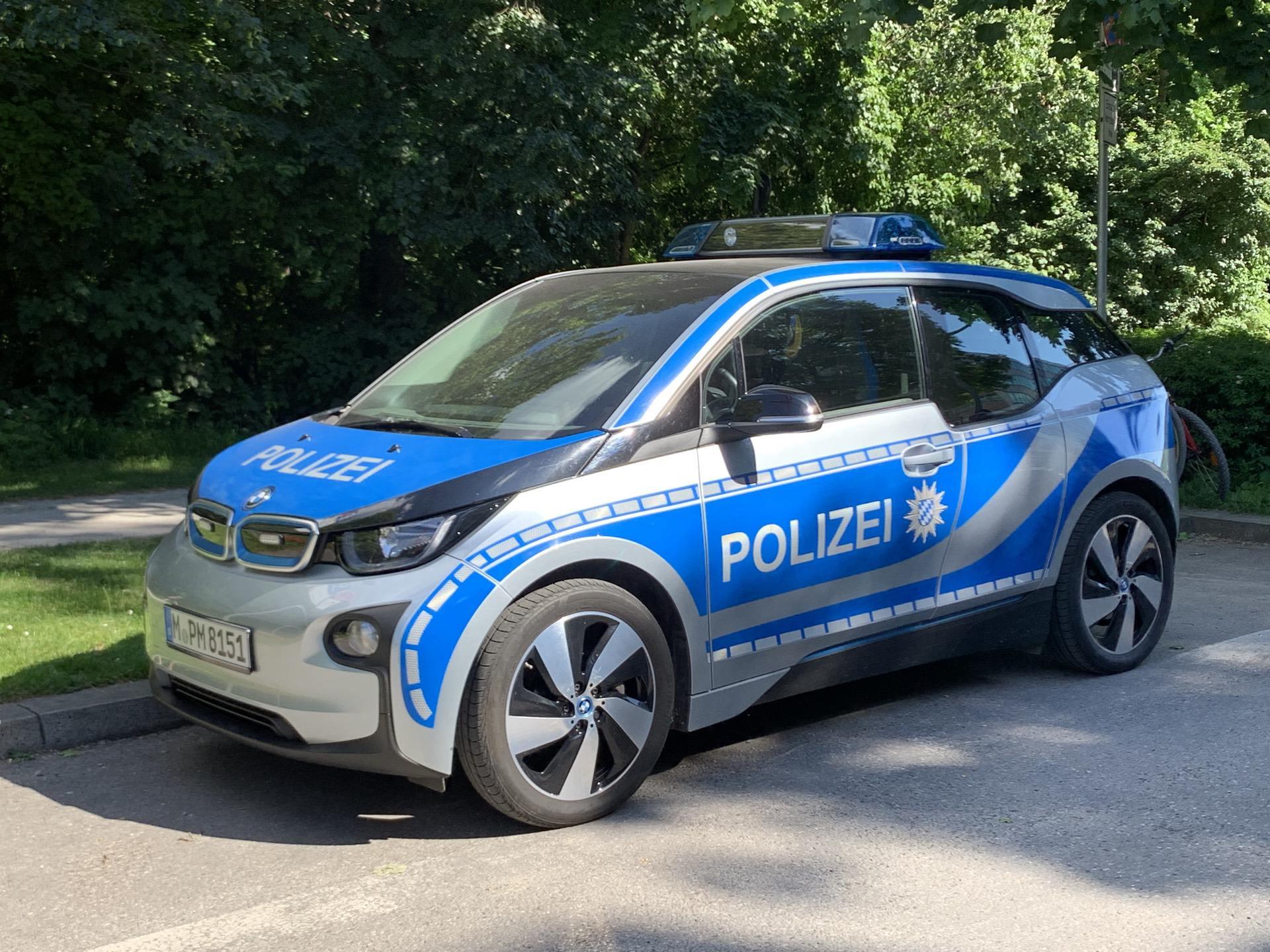 bmw i3 police car 05