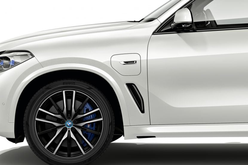 BMW PHEV models will get BMW i Blue accents in the future
