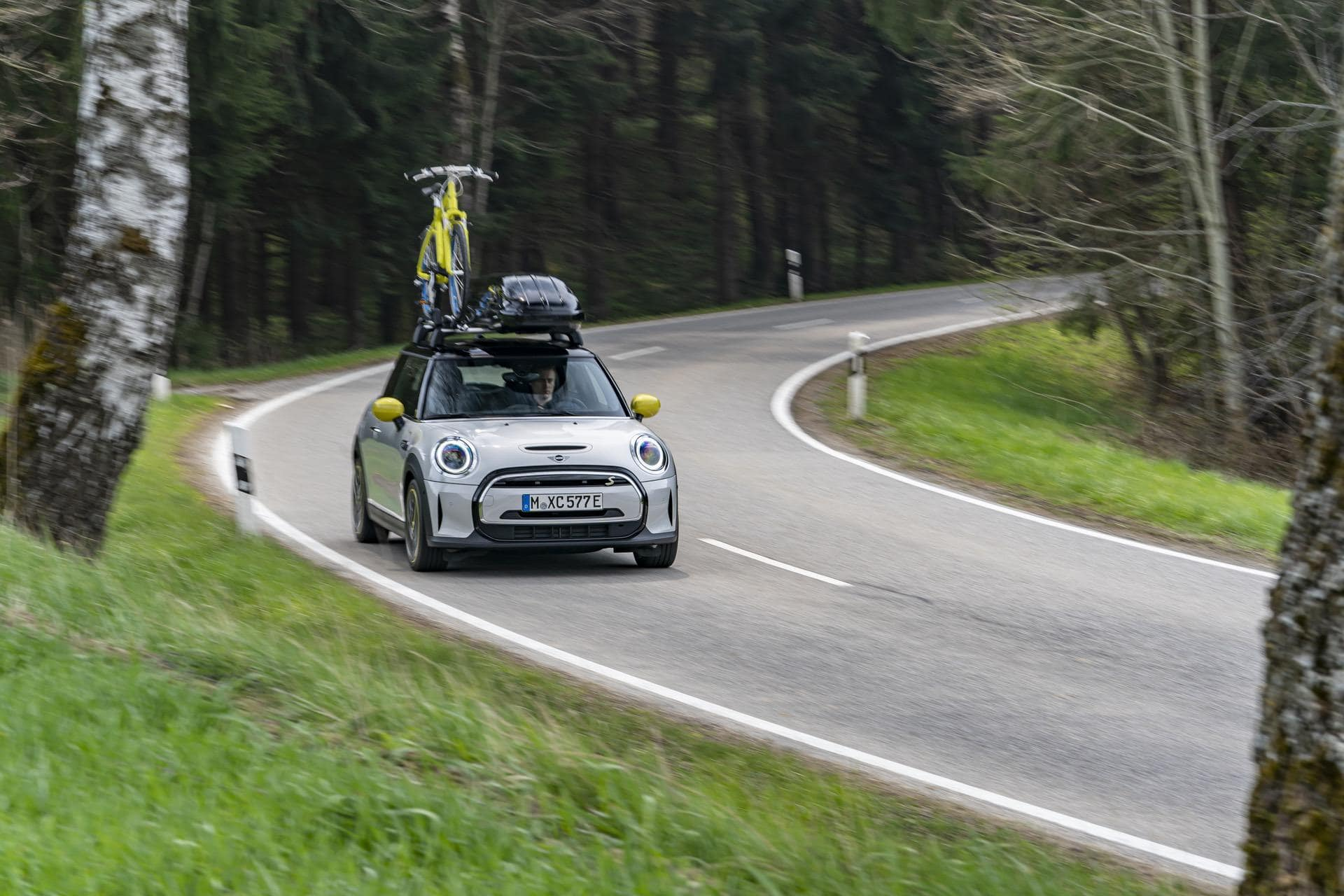 VIDEO: Watch TFLC Take Delivery of a MINI Cooper SE