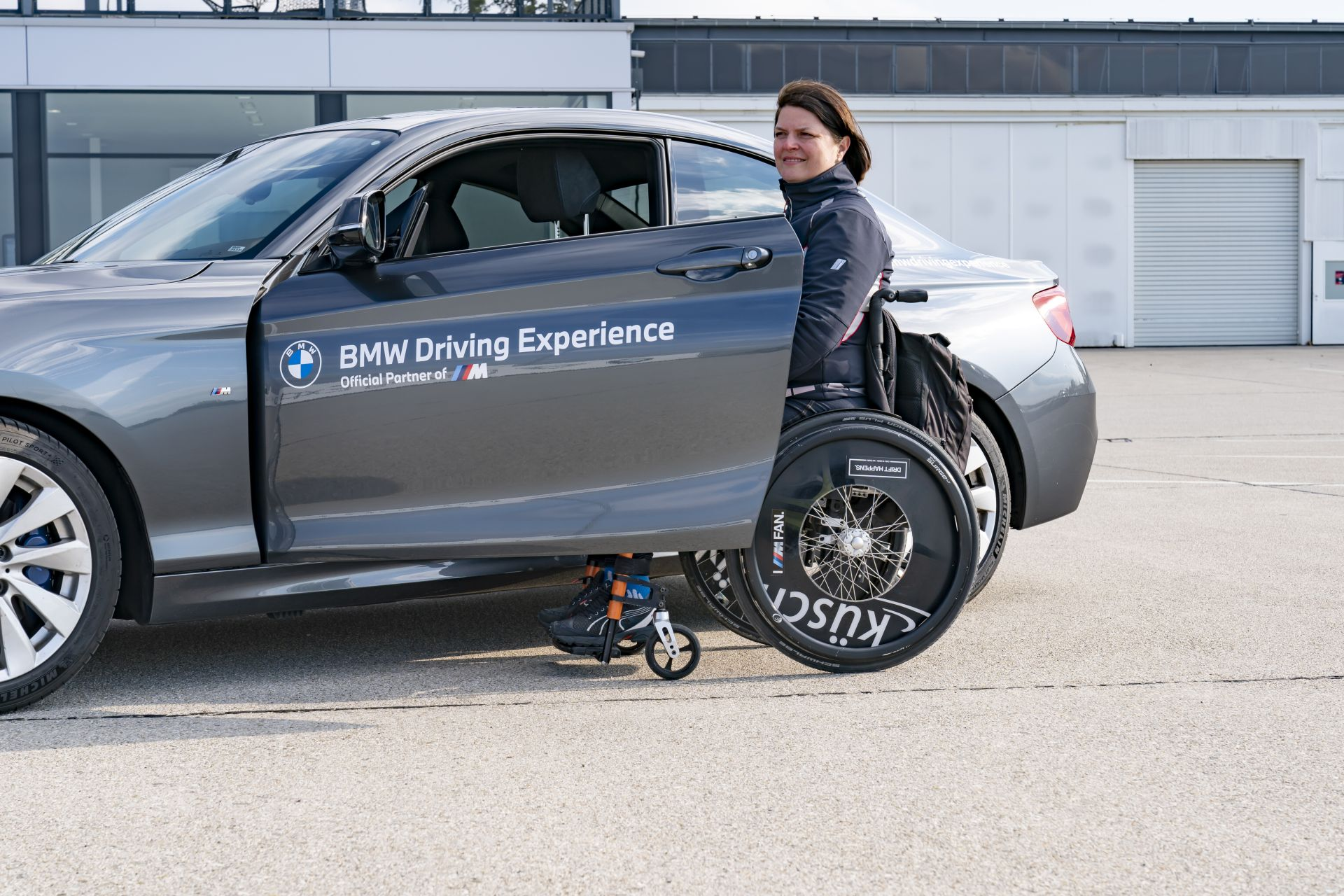 BMW and MINI Driving Experience for people with disabilities 144