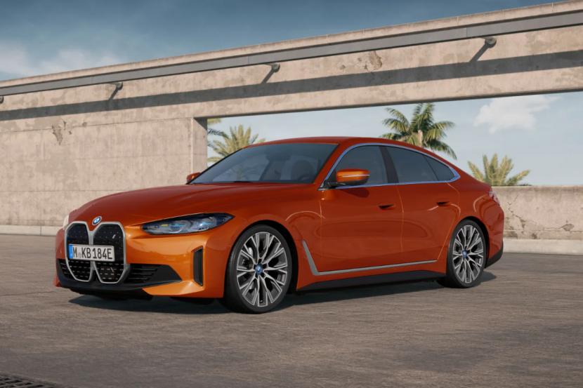 BMW i4 eDrive40 featured in Sunset Orange metallic 1 830x553