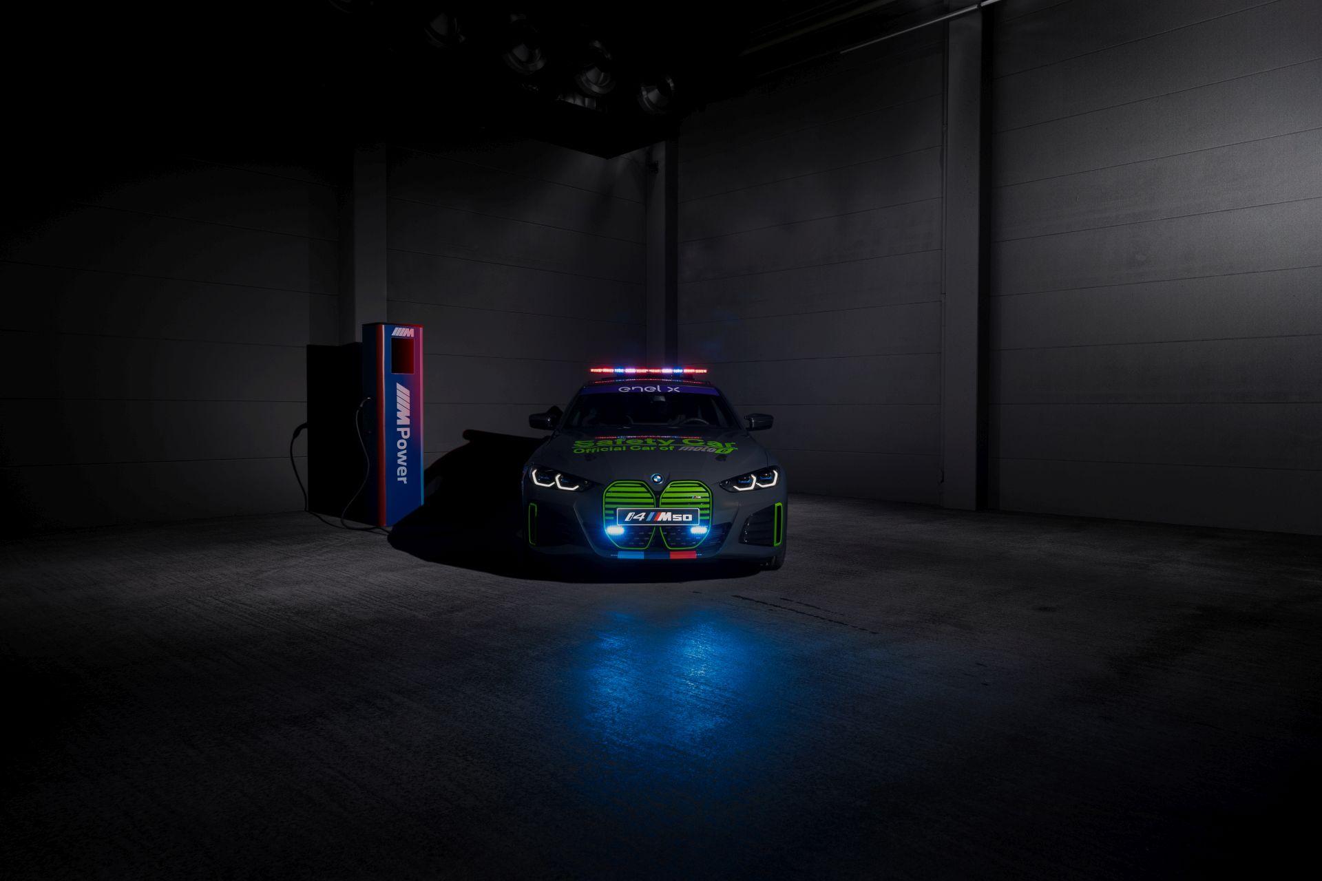 BMW i4 M50 Safety Car 3