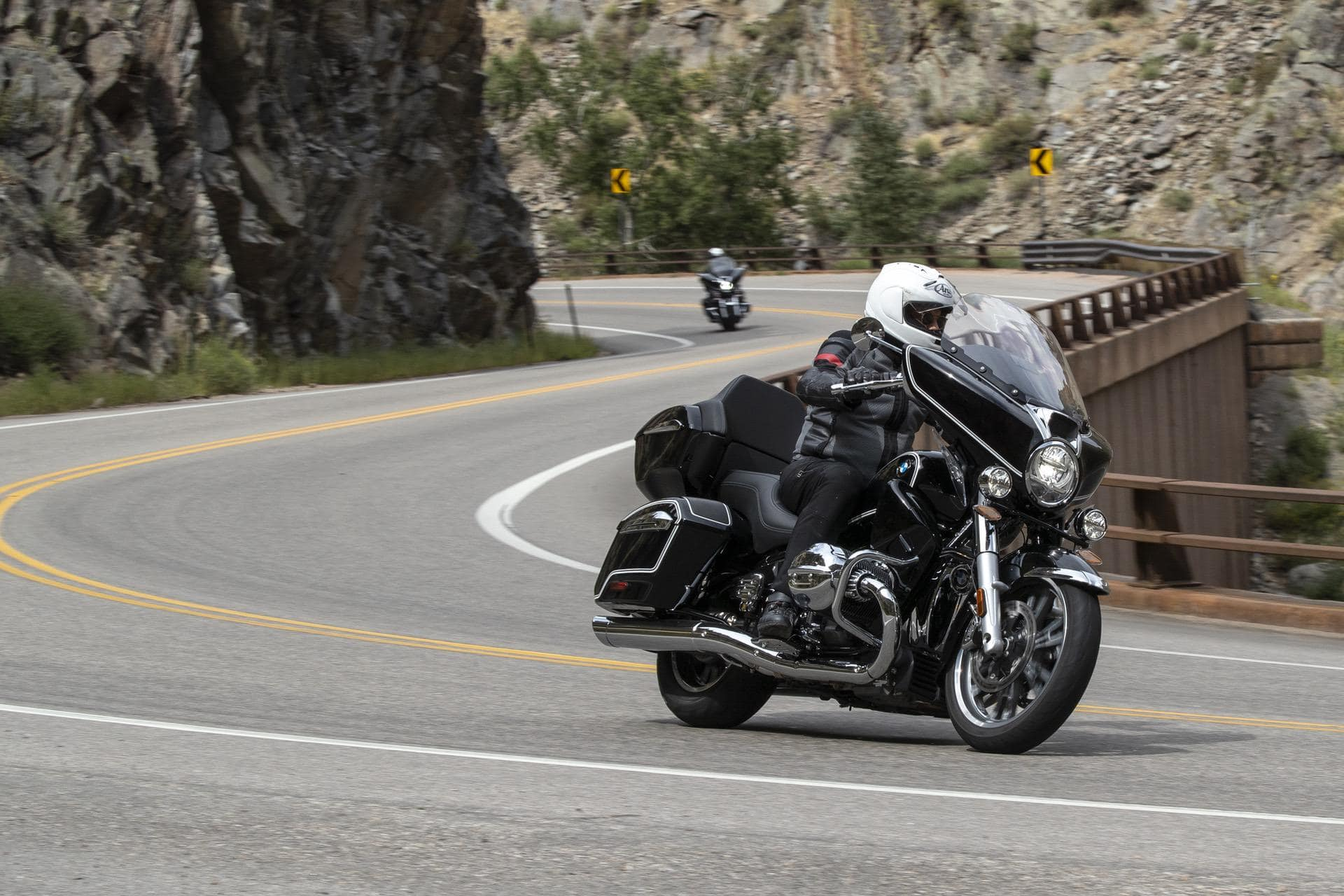 Test Riding the new BMW R18 B and R18 Transcontinental