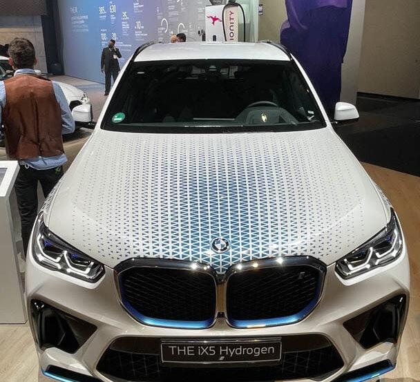 BMW X5 i Hydrogen NEXT 15 of 25 608x553