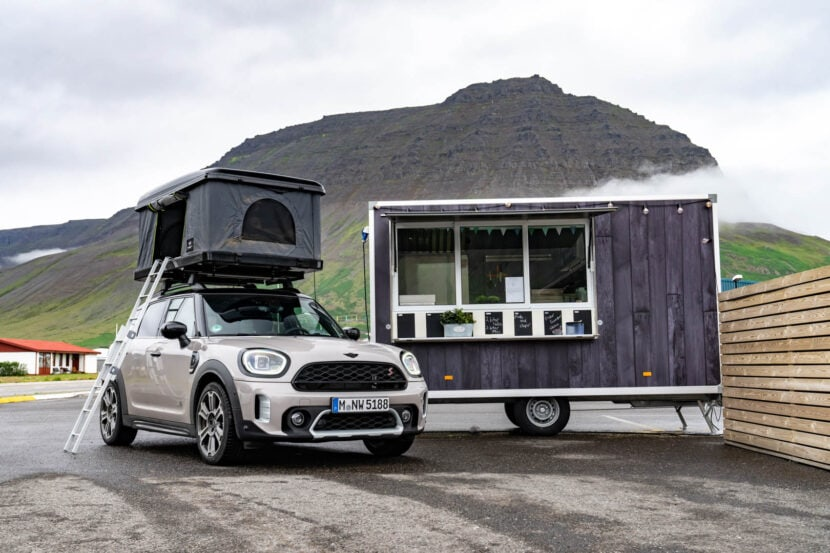 MINI Cooper S Countryman ALL4 Iceland 2 of 20 830x553
