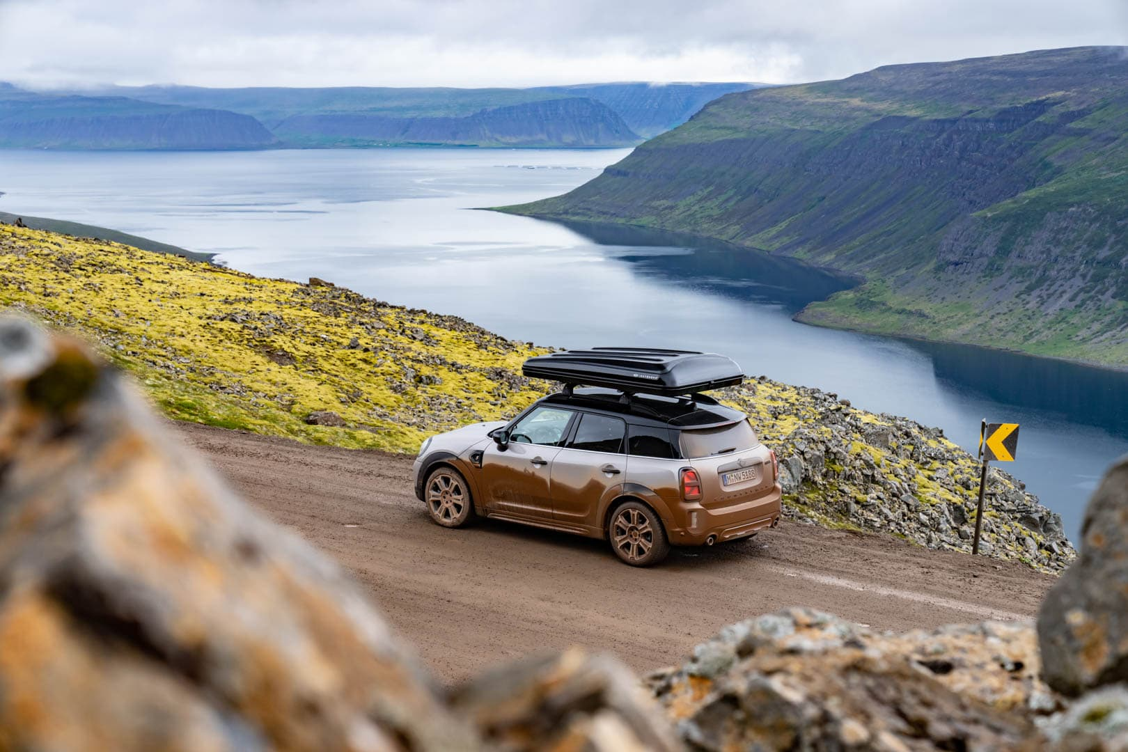 MINI Cooper S Countryman ALL4 Iceland 8 of 20