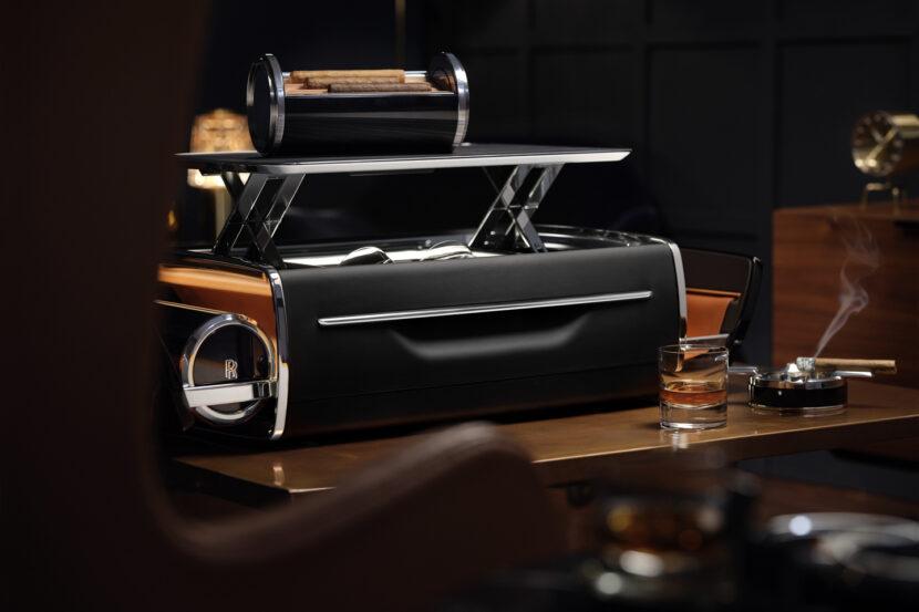 Rolls Royce Cellarette Cigar Box 7 of 9 830x553