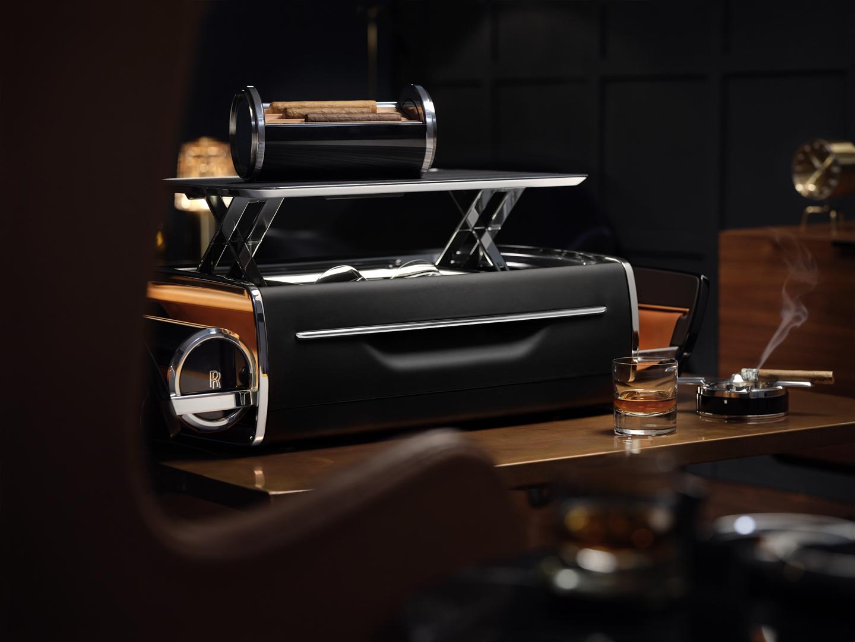 Rolls Royce Cellarette Cigar Box 7 of 9