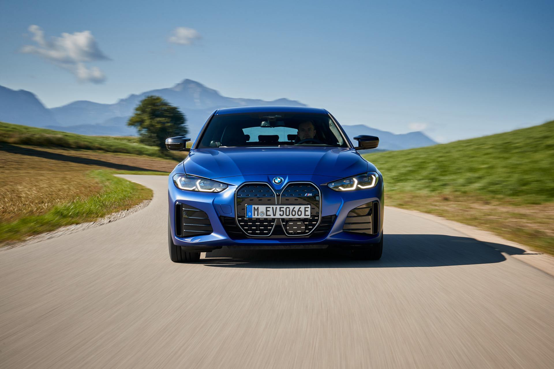 bmw i4 m50 test drive review 06