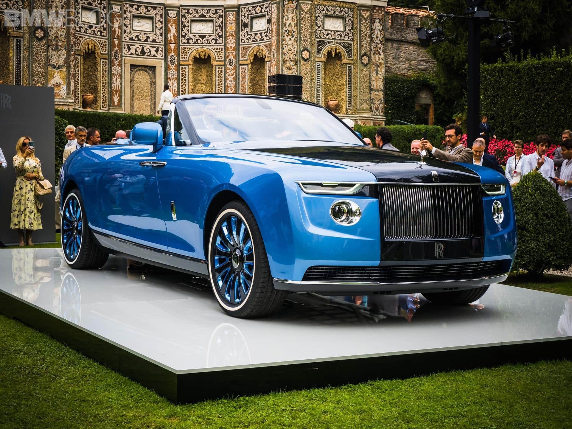Rolls-Royce Boat Tail Live from Villa d'Este ...