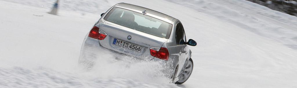 330i drift through snow1