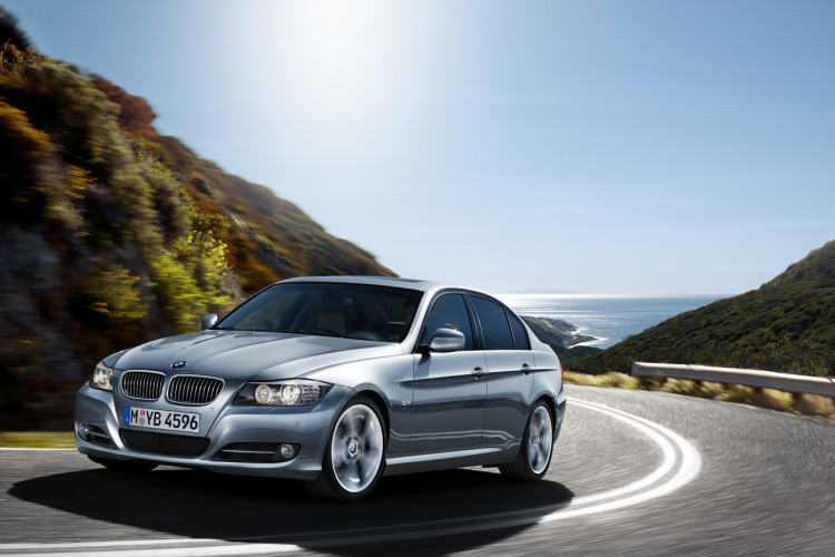 3 series sedan wallpaper 750x500