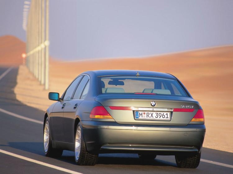 7 series rear1 750x562