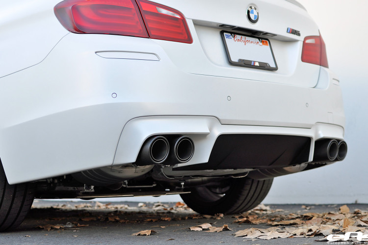 8380252753 a779825b1d Frozen White BMW F10 M5 Akrapovic Evolution Exhaust 24 750x500