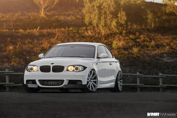 Alpine White BMW E82 135i With VMR Wheels 2 750x499