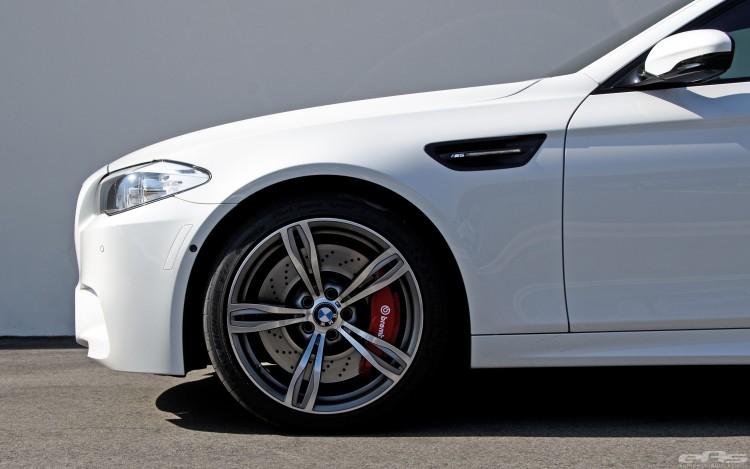 Alpine White BMW F10 M5 With Brembo Brakes 2 750x469