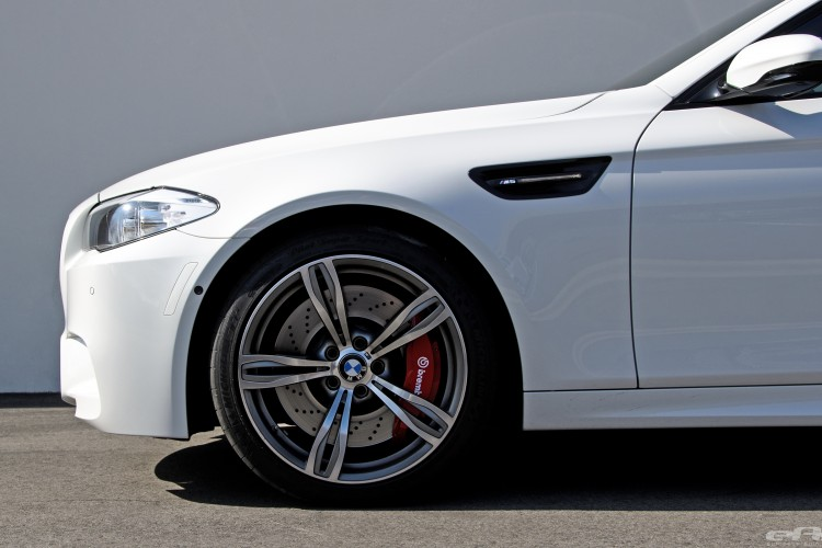 Alpine White BMW F10 M5 With Brembo Brakes 2 750x500
