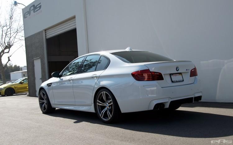 Alpine White BMW F10 M5 With Brembo Brakes 6 750x469