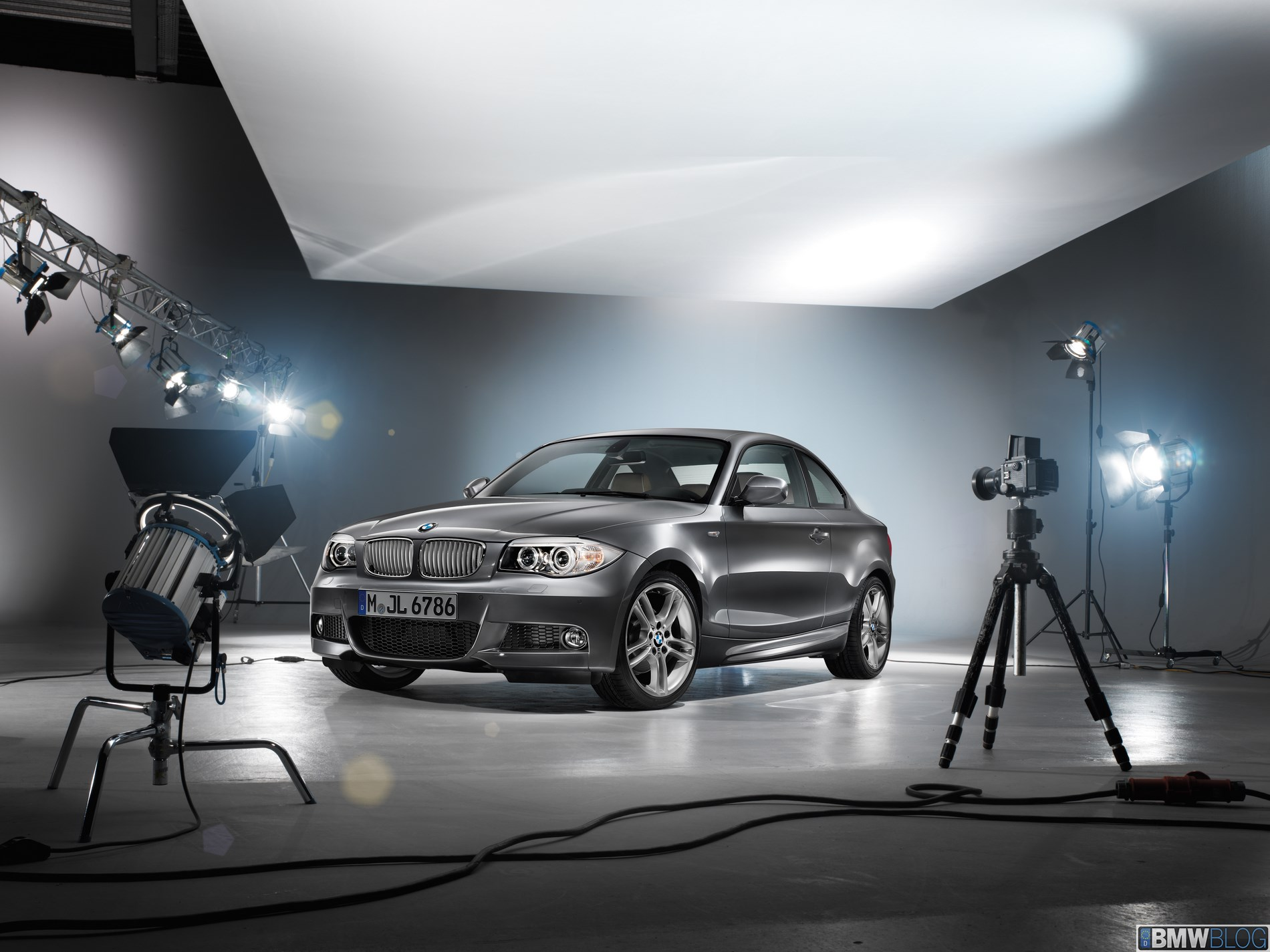 BMW 1 Series Coupe and BMW 1 Series Convertible Limited Edition Lifestyle 01