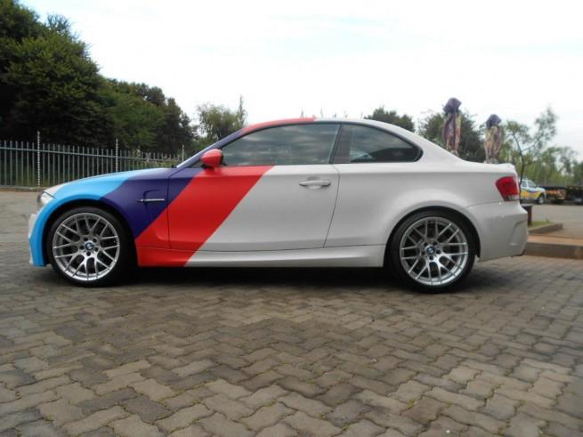 BMW 1M Matte White Motorsport Stripes Wrap 655x491