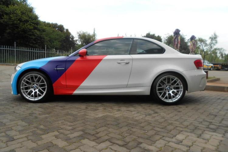 BMW 1M Matte White Motorsport Stripes Wrap 750x500