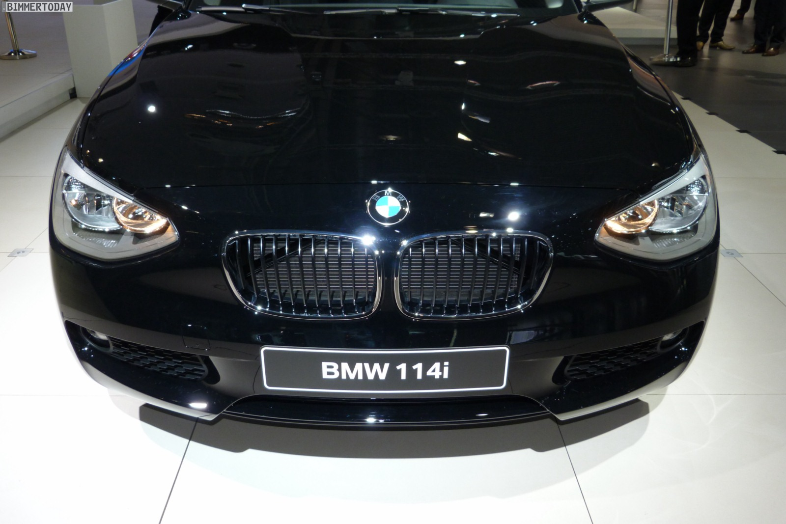 2012 leipzig auto show f21 bmw 1 series hatchback three door. Black Bedroom Furniture Sets. Home Design Ideas