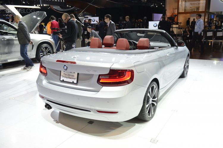BMW 2 series convertible 06 750x500