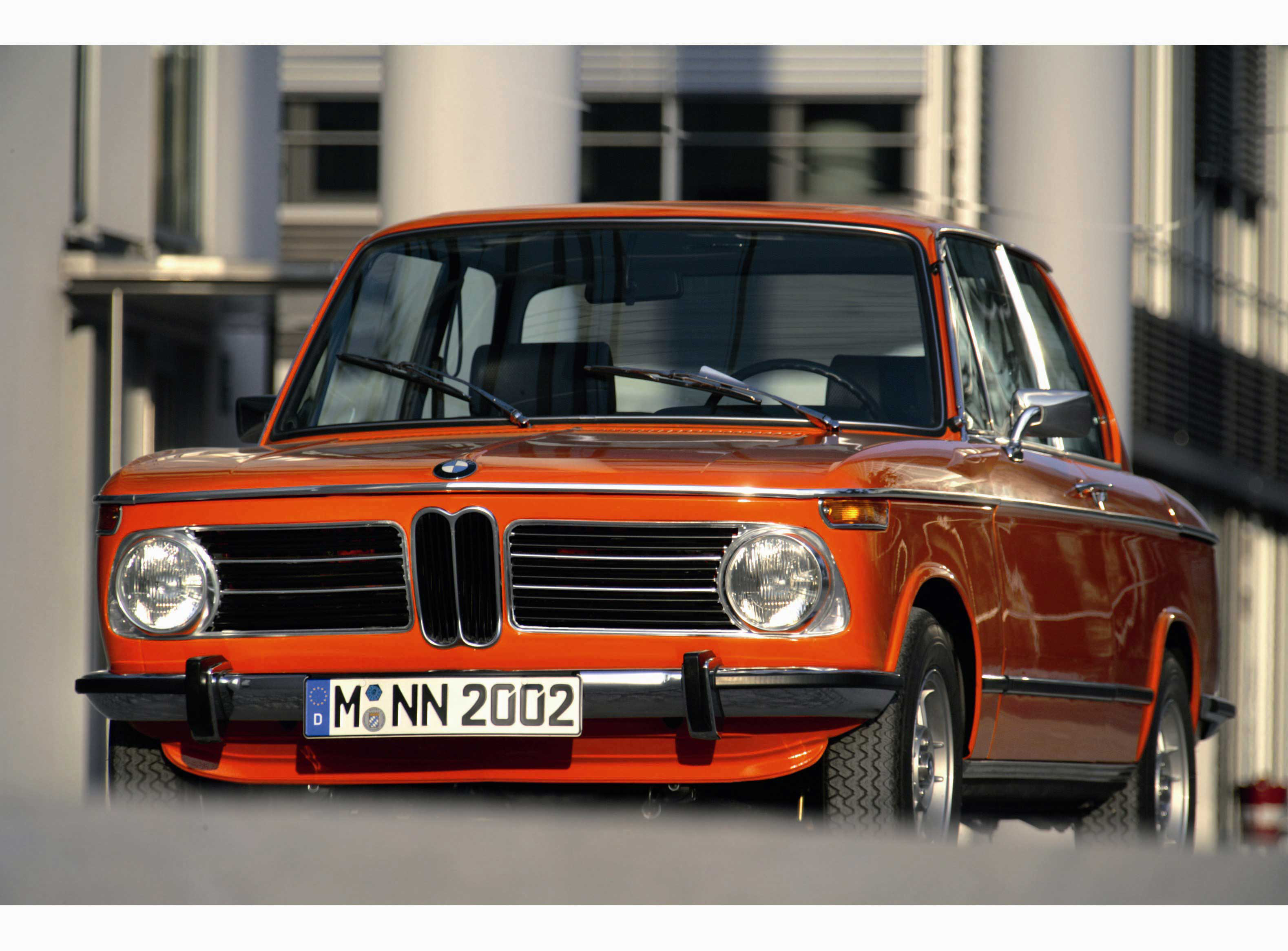 Retrospective Driving Impressions Of A Bmw 2002