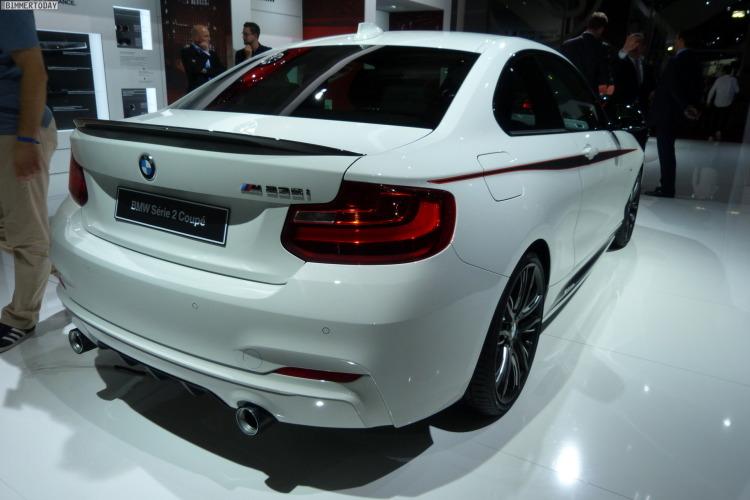 BMW 2er Coupe F22 M235i M Performance Paris 2014 LIVE 19 750x500