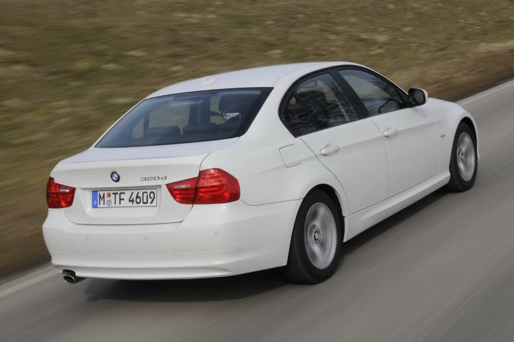 BMW 320d EfficientDynamics 41 750x500
