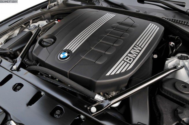 BMW 530d F10 Motorraum 655x435
