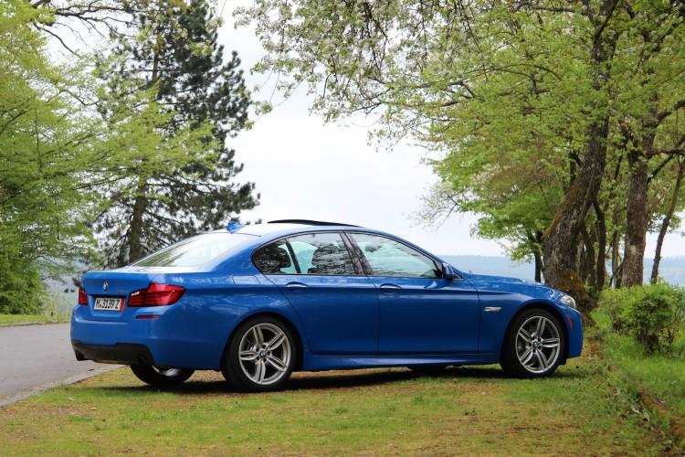 BMW 535i Santorini Blue 27 750x500