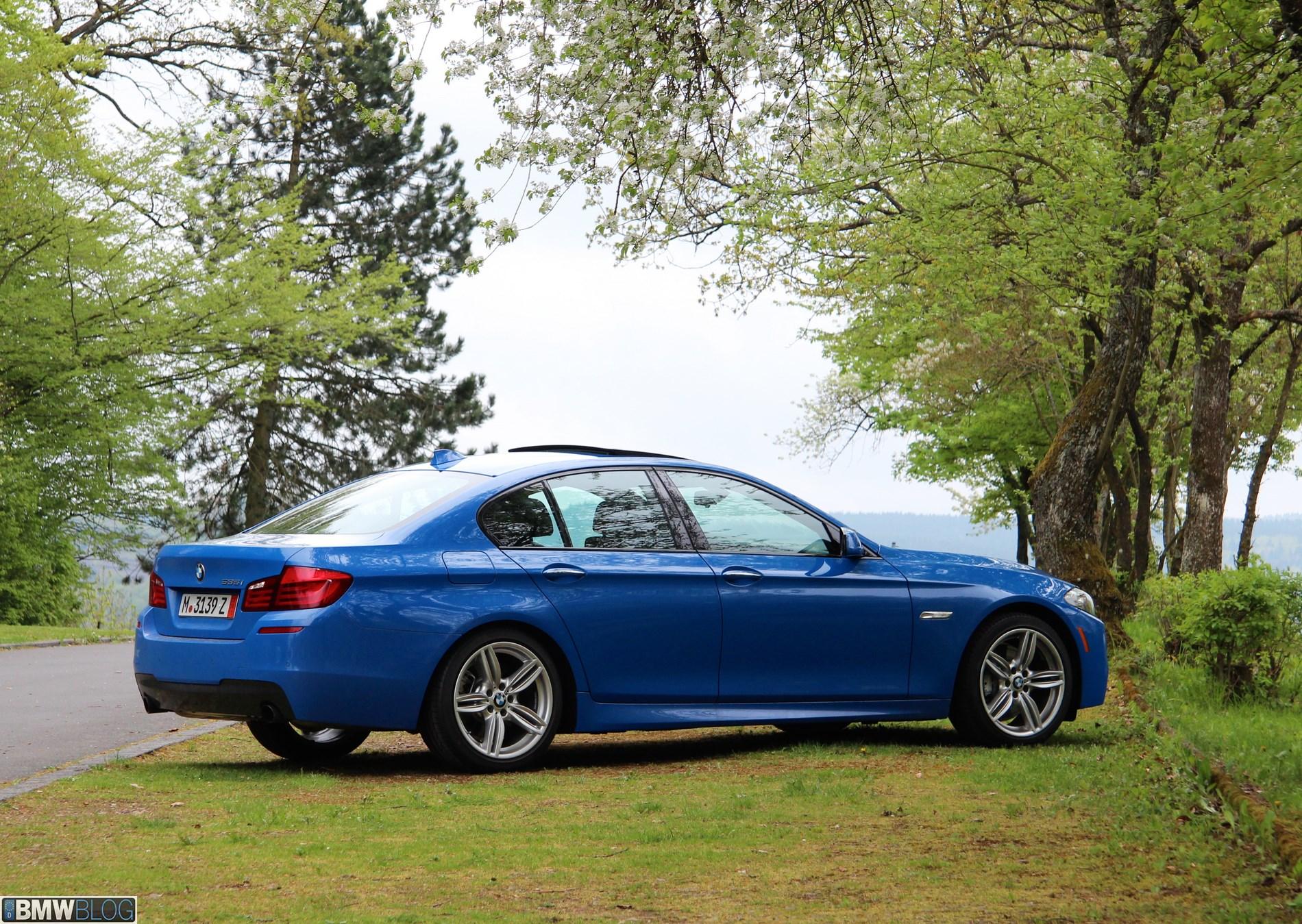 BMW 535i Santorini Blue 27