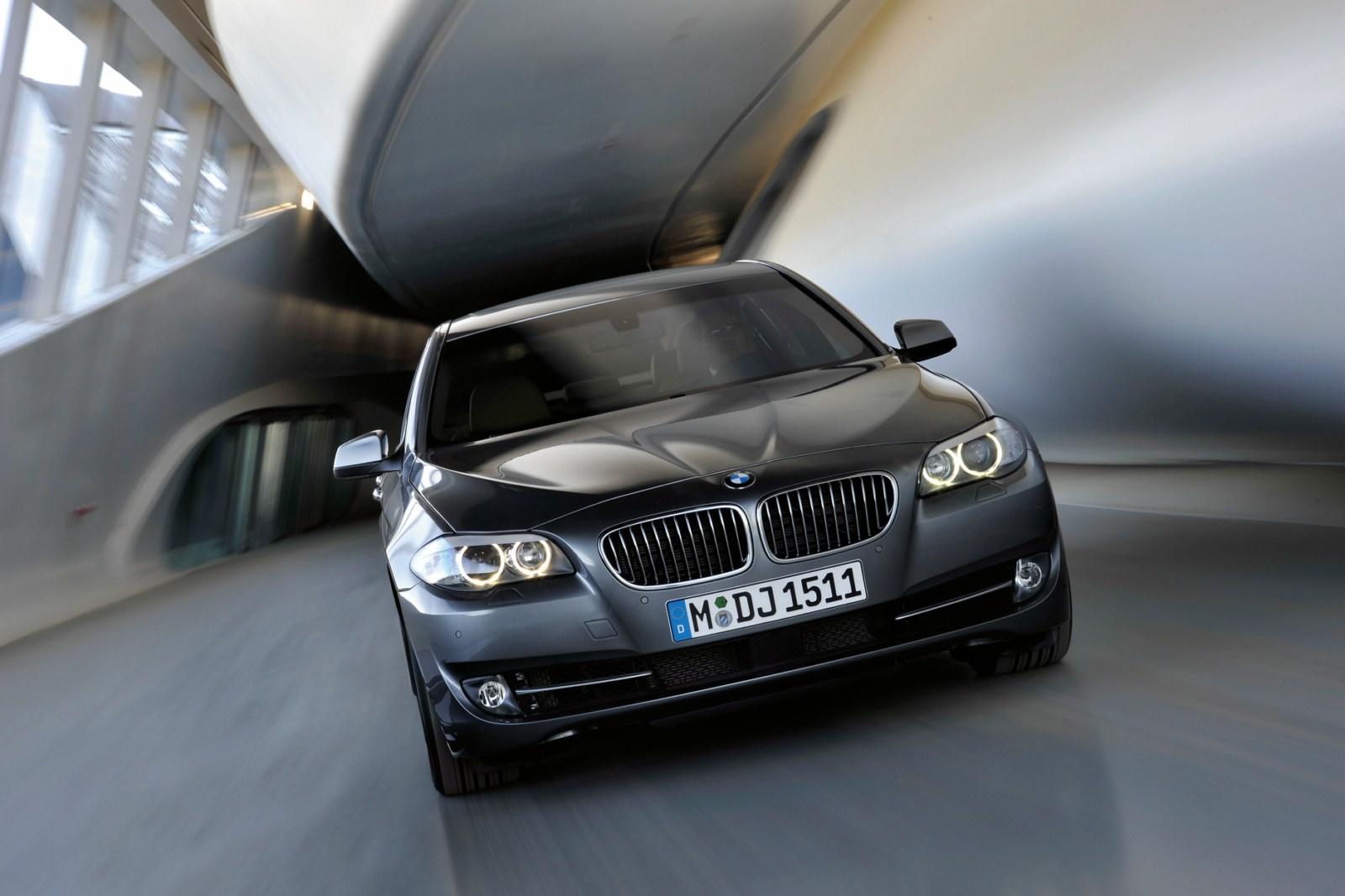 BMW 5er Limousine Images 01