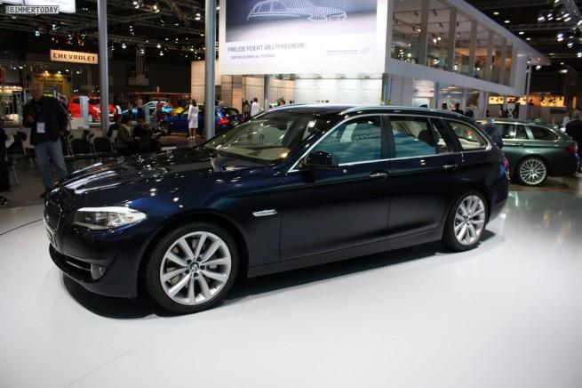 BMW 5er Touring F11 Imperialblau 19 655x436