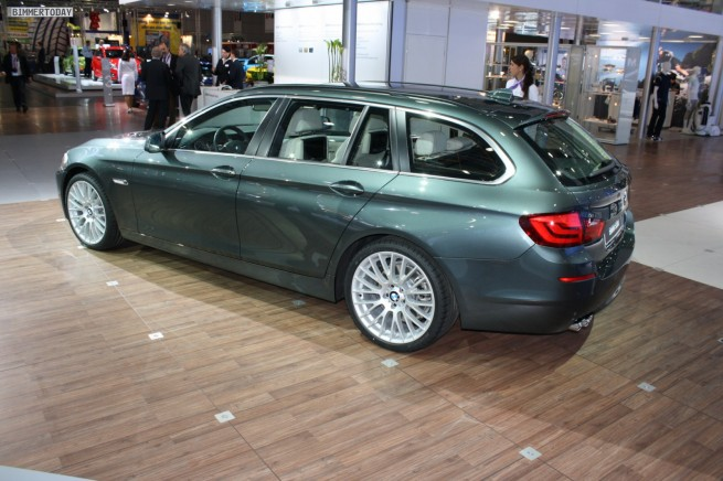 BMW 5er Touring F11 Tasmangruen 044 655x436