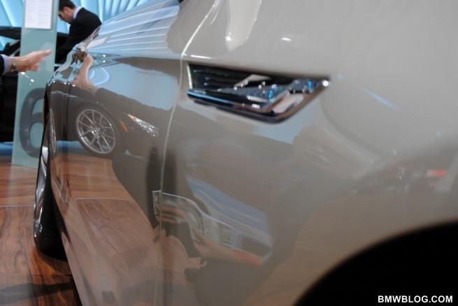 BMW 6 SERIES belt line 655x438