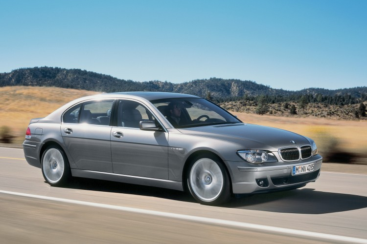 BMW 7 Series E65 2002 Photo 16 750x500