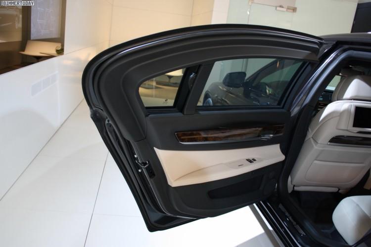 BMW-760i-F03-High-Security-Genf-2011-Interieur-01