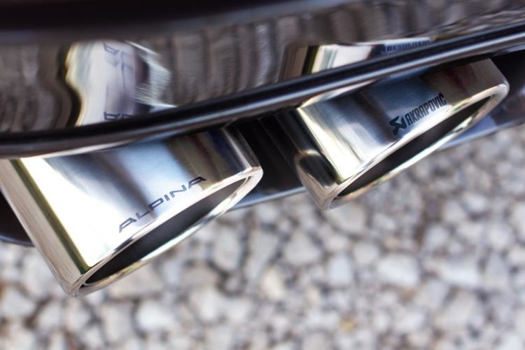 BMW Alpina B6 Biturbo Cabrio F12 AGA Akrapovic 750x500