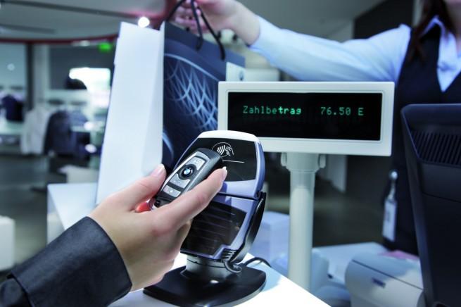 BMW Autschluessel NFC Payment 655x436