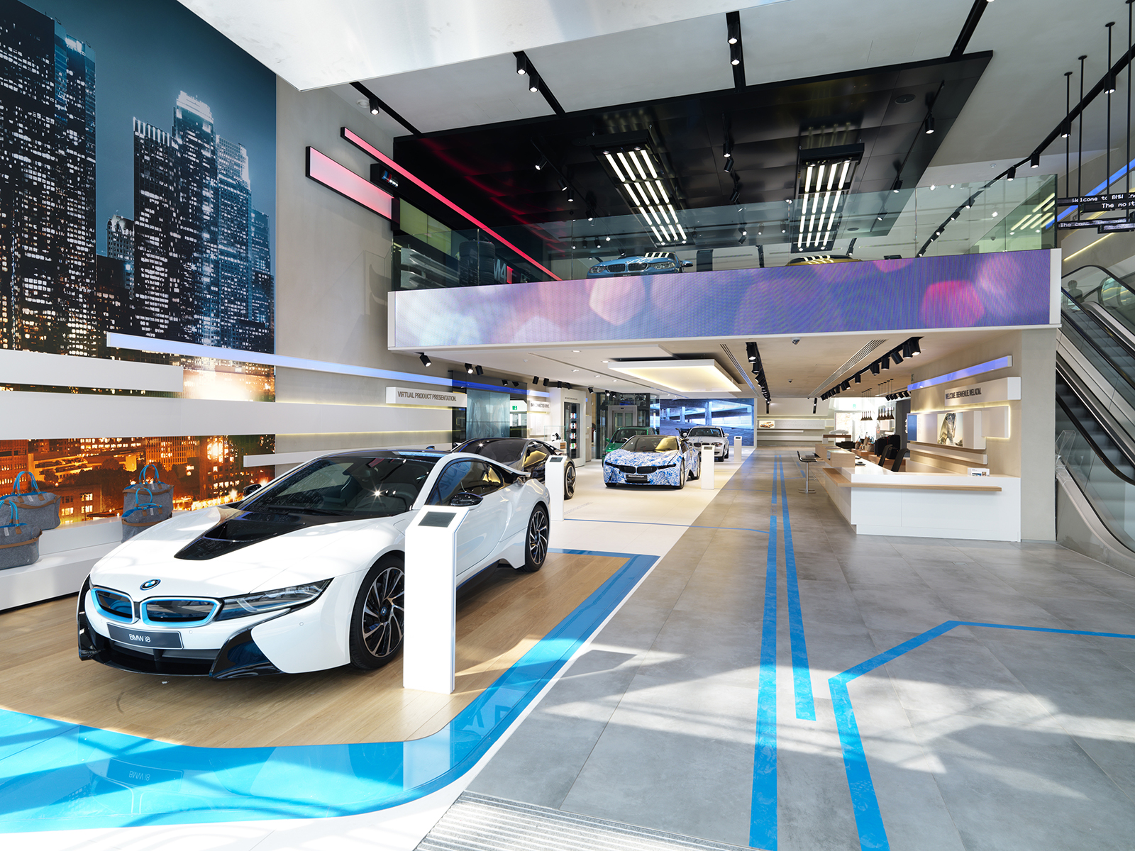 Bmw Brand Store In Brussels Earns Iconic Award 2014