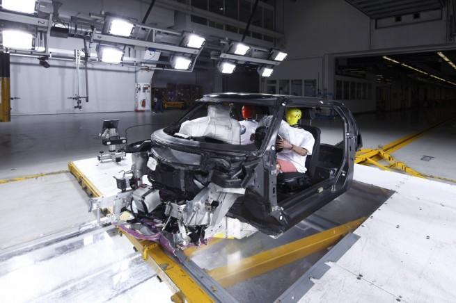 BMW Carbon Fahrgastzelle Crash Versuchstraeger Project i 071 655x436