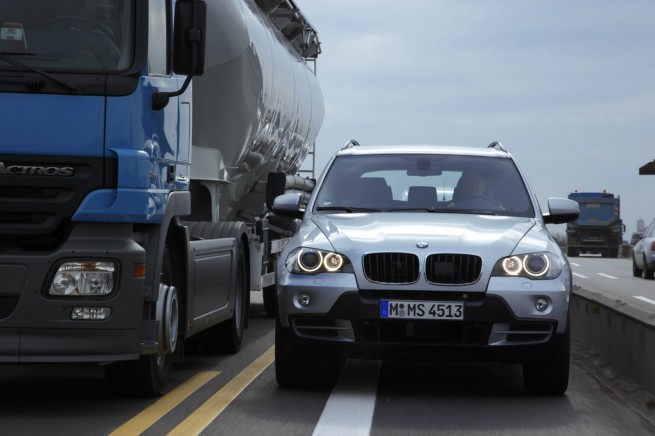 BMW Engstellenassistent 01 655x436