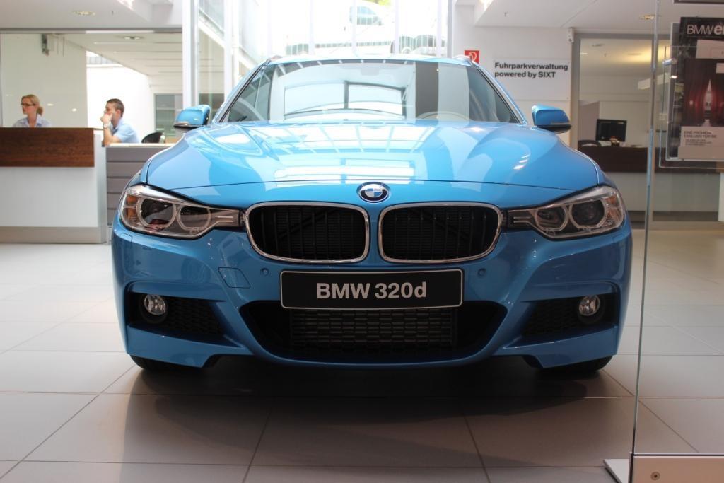 BMW Individual Kingfisher Metallic Blau 3er F31 M Sportpaket 09