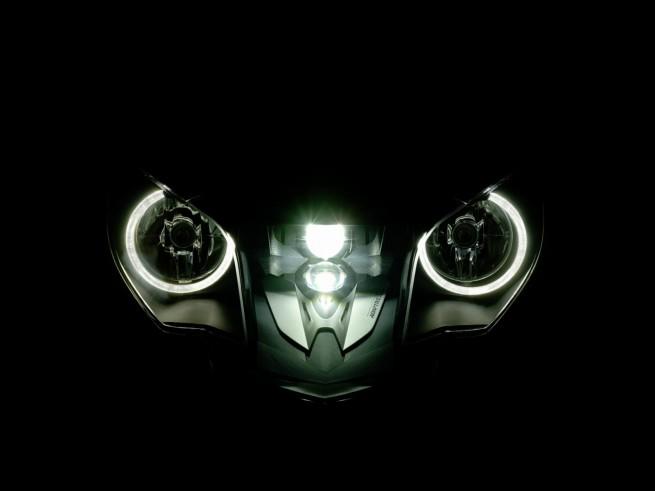 BMW K1600 321 655x491