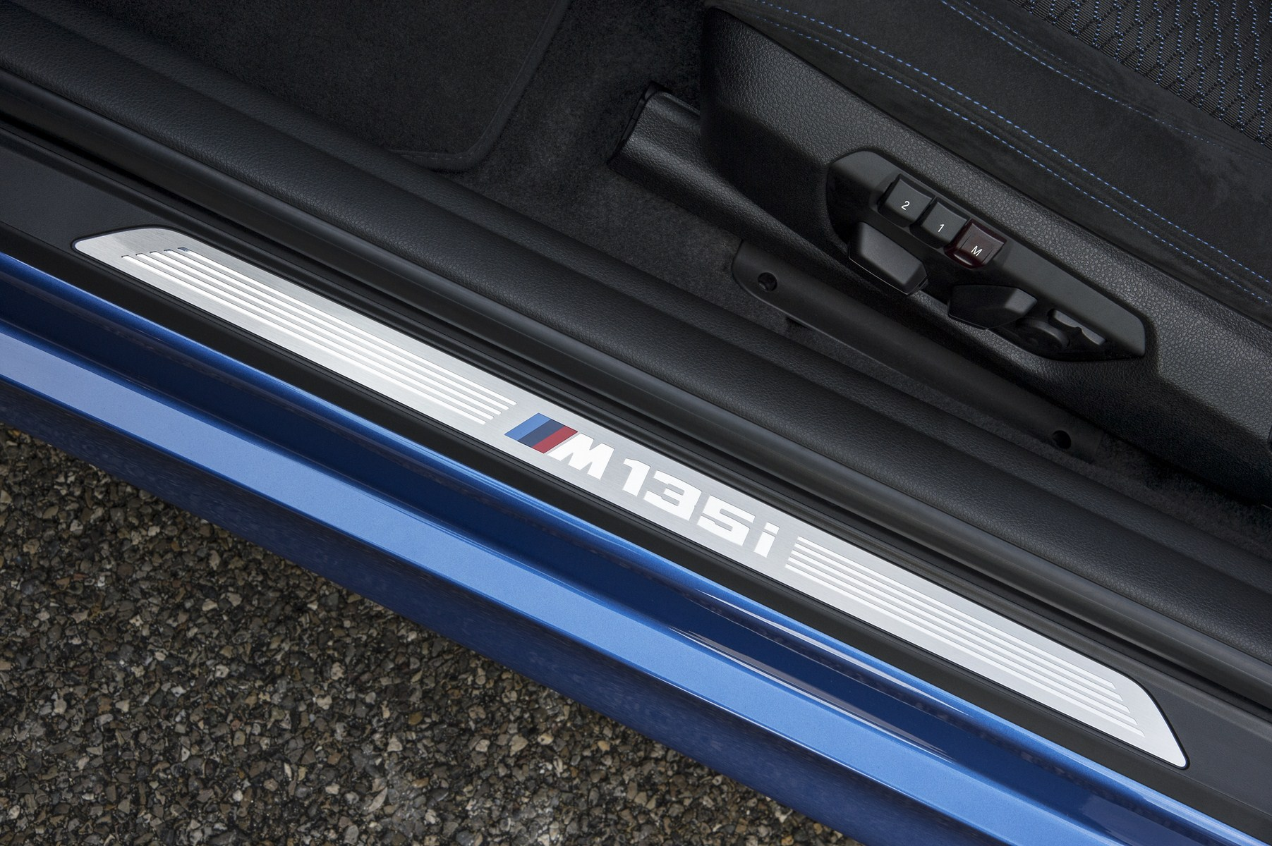 BMW M135i photos 135